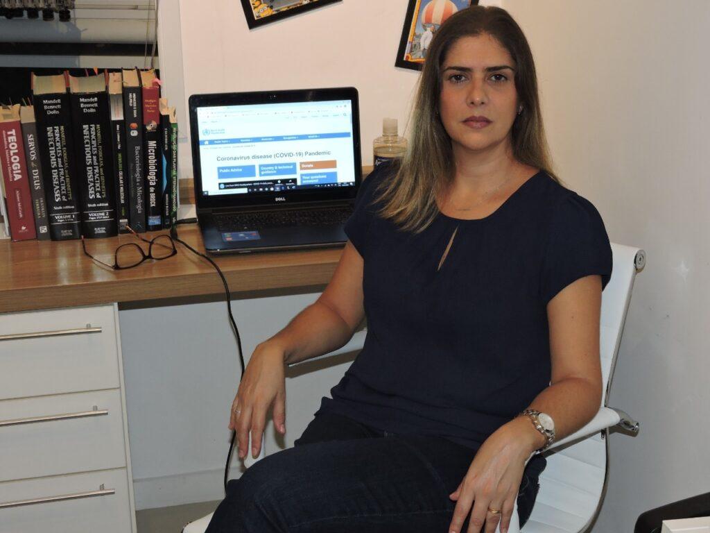 Professora é microbiologista e biomédica | Foto: arquivo pessoal